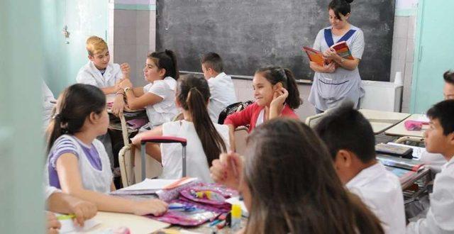 """09/04/2017 – Clarín: """"Ni vouchers ni status quo: a la escuela por sorteo"""""""